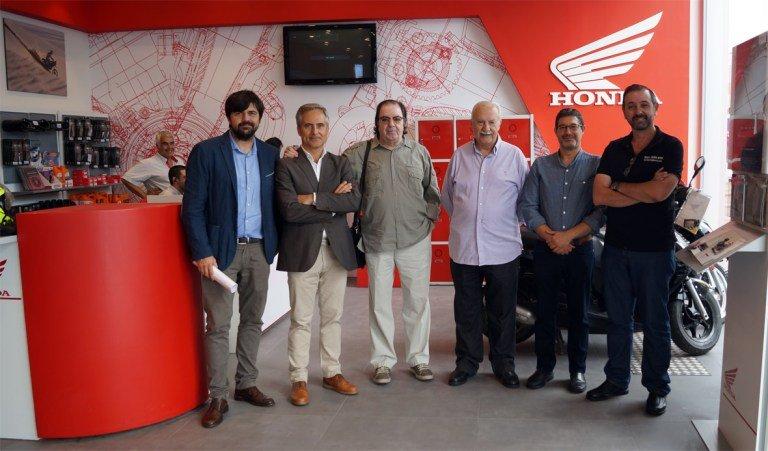 La prensa especializada en el motor malagueña conoce las nuevas instalaciones de Servihonda